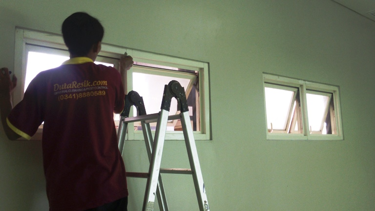 cleaning gedung