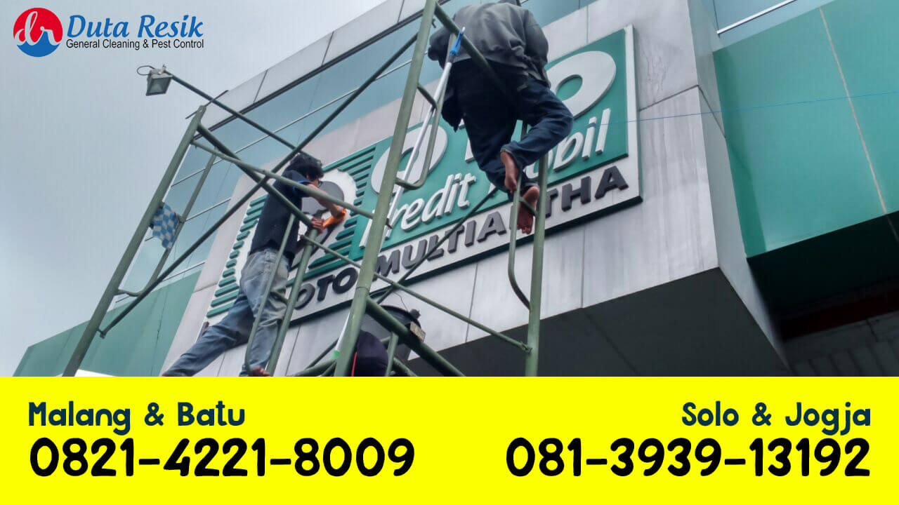 jasa-cleaning-alucobond-composite-panel