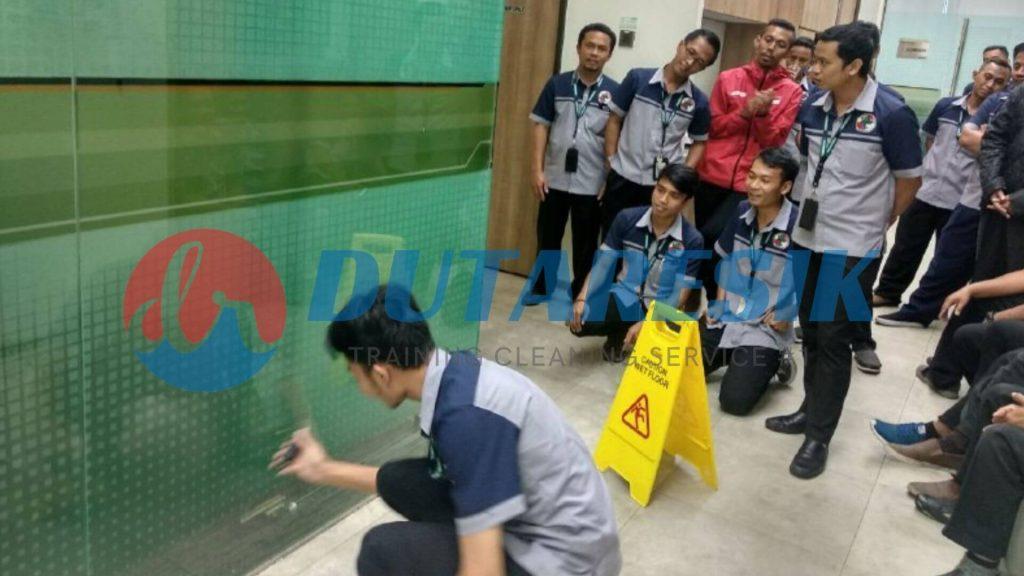 Pelatihan Office Boy Perusahaan - Dutaresik