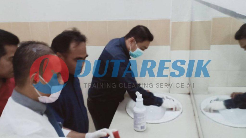 Pelatihan Petugas Cleaning Service - Dutaresik